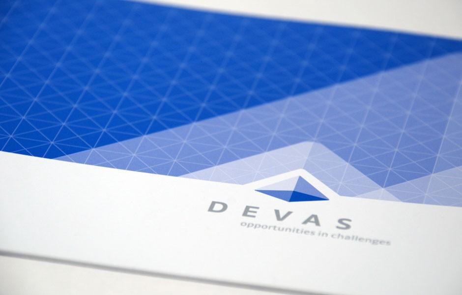 devas_consulting_brochure_1_sion_sierre_martigny_Monthey_Valais_eddy_pelfini_graphic_design_graphisme_graphiste_agence_de_publicite_communication_visuelle