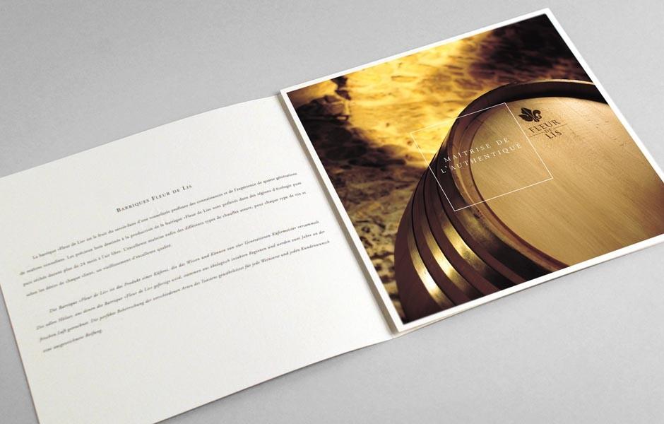fleur_de_lis_barriques_brochure_2_sion_sierre_martigny_Monthey_Valais_eddy_pelfini_graphic_design_graphisme_graphiste_agence_de_publicite_communication_visuelle